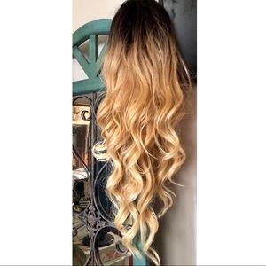 Other - Lace front wig - blonde ombré - super long